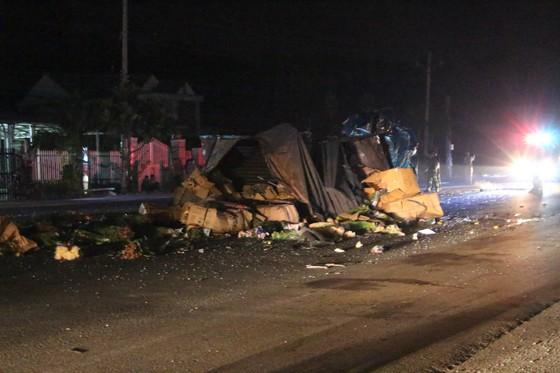 Xe khách tông xe tải lao vào nhà dân, 1 người tử vong, 5 người bị thương ảnh 3