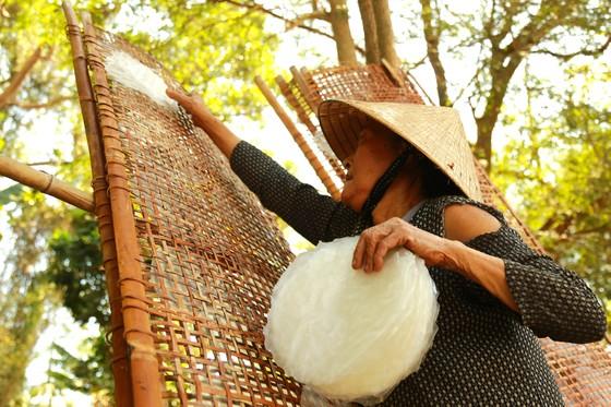 Trăm năm làng nghề bánh tráng An Ngãi ảnh 11