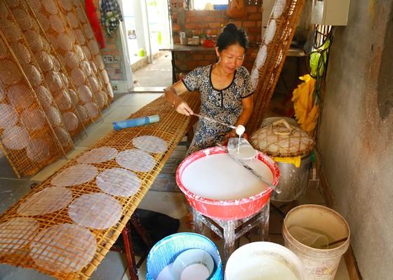 Trăm năm làng nghề bánh tráng An Ngãi ảnh 1