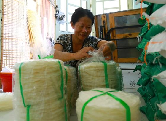 Trăm năm làng nghề bánh tráng An Ngãi ảnh 12