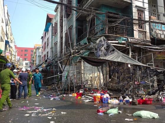 Cháy ở chợ Hạnh Thông Tây quận Gò Vấp, nhiều người thoát chết ảnh 5
