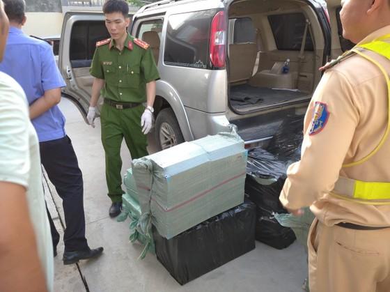 Cục CSGT Bộ Công an phát hiện gần 25.000 gói thuốc lá lậu trên cao tốc TPHCM- Long Thành - Dầu Giây ảnh 3