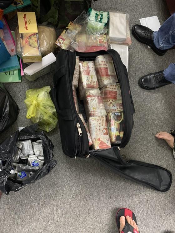 Hành trình phá đường dây ma tuý ở trung tâm TPHCM thu 50 bánh heroin, 35kg ma tuý đá... ảnh 3