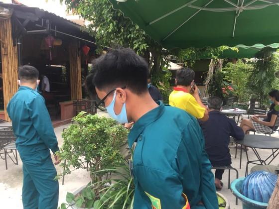 Đối tượng nổ súng trong quán cà phê khiến 1 người bị thương ra đầu thú ảnh 2