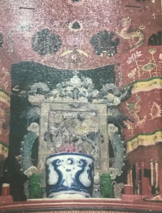 Tìm bức tranh gốm men xanh cổ tại Đình thần Linh Tây ảnh 1