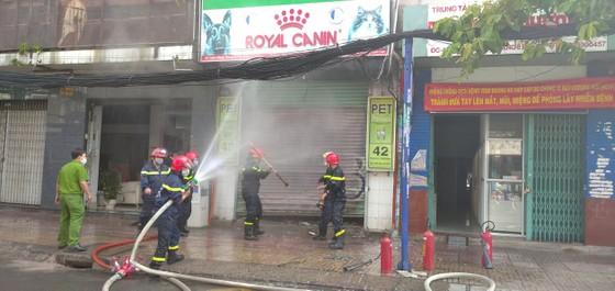 Cháy ở căn nhà trên đường Cách Mạng Tháng 8, quận 3 ảnh 4