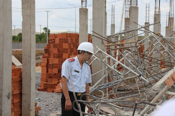 Kiến nghị tỉnh Đồng Nai rà soát các công trình xây dựng tương tự công trình sập tường 10 người chết ảnh 11