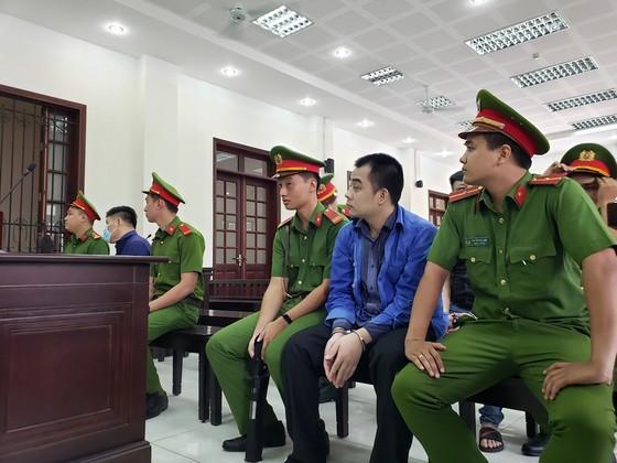 Xét xử nhóm giang hồ vây xe chở công an ở tỉnh Đồng Nai ảnh 4