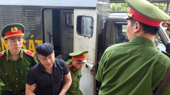 Xét xử nhóm giang hồ vây xe chở công an ở tỉnh Đồng Nai ảnh 1