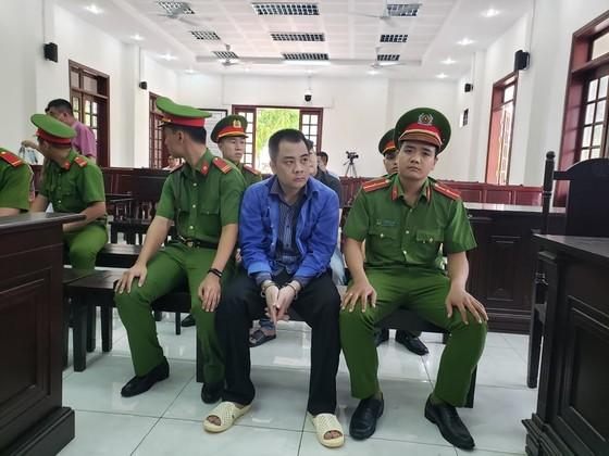 Xét xử nhóm giang hồ vây xe chở công an ở tỉnh Đồng Nai ảnh 3