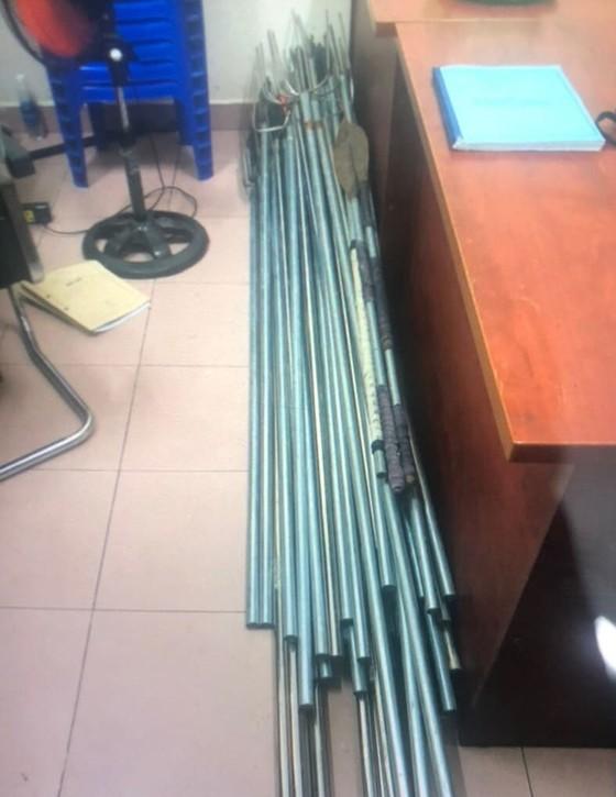 Tạm giữ 34 đối tượng trong vụ 'băng áo cam' đập phá quán nhậu ở quận Bình Tân ảnh 4