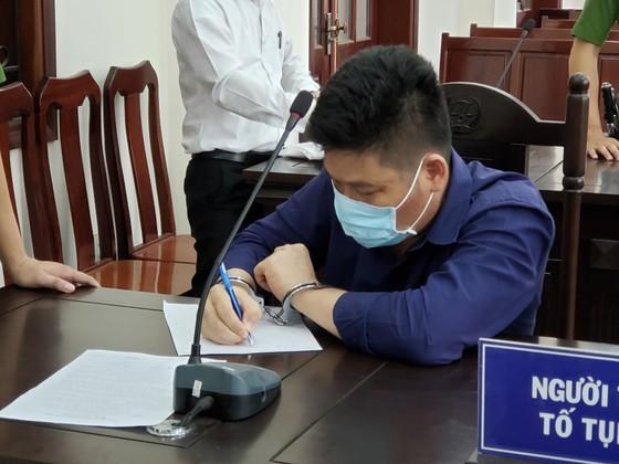 Giám đốc gọi điện giang hồ vây chặn xe công an ở Đồng Nai lãnh thêm 3 năm tù về tội trốn thuế ảnh 4
