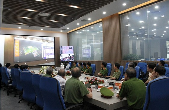 Ra mắt Trung tâm thông tin chỉ huy Công an TPHCM ảnh 2