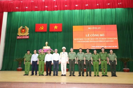 Thăng hàm Thiếu tướng cho Phó giám đốc Công an TPHCM Cao Đăng Hưng ảnh 4