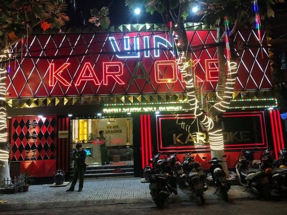 Kiểm tra 2 quán karaoke ở quận Bình Tân phát hiện 33 'dân chơi' dương tính với chất ma túy ảnh 1