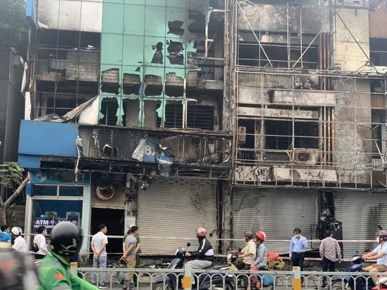 Xác định nghi can gây cháy chi nhánh ngân hàng Eximbank cùng nhà dân ở quận Gò Vấp ảnh 4