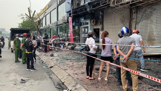 Cháy lớn lúc rạng sáng ở Gò Vấp, 2 căn nhà cùng nhiều tài sản bị thiêu rụi  ảnh 10