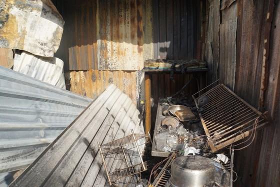 Nhiều nhà dân và hơn 10 phòng trọ ở quận 9 bị lửa thiêu rụi  ảnh 2