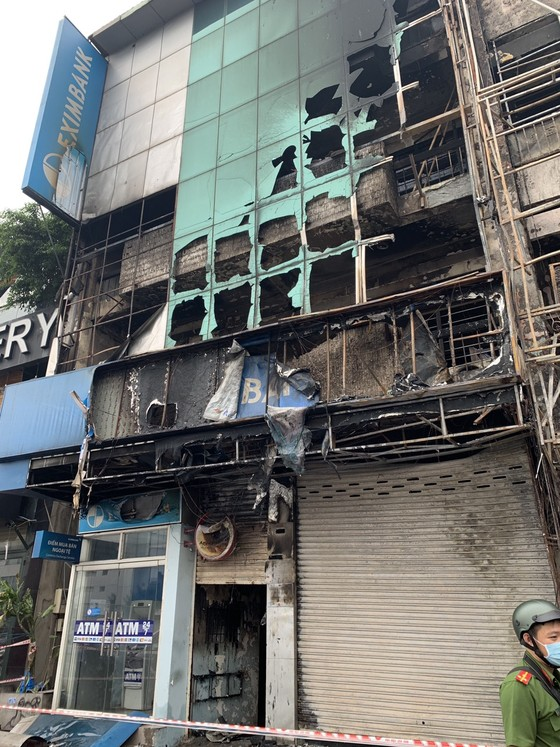 Thực nghiệm hiện trường vụ cháy chi nhánh ngân hàng cùng nhà dân ở quận Gò Vấp ảnh 6