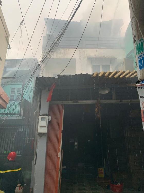 Cháy nhà dân ở đường Tân Hòa Đông, quận 6  ảnh 3