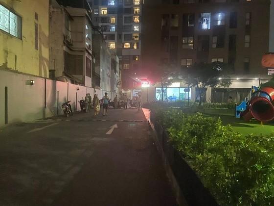 Một người nước ngoài tử vong, nghi do rơi từ tầng cao chung cư  ảnh 1