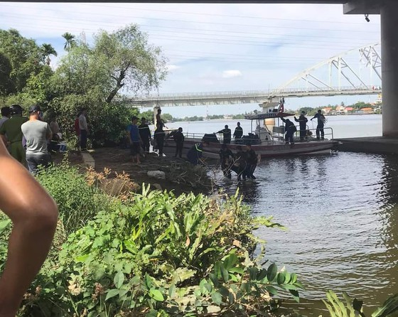 Tìm thấy thi thể thanh niên tự tử ở cầu Bình Lợi ảnh 1