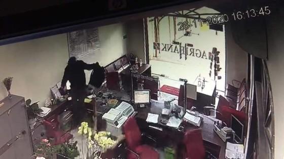Kẻ cướp ngân hàng Agribank ở Đồng Nai bị bắt ở quận Gò Vấp, TPHCM ảnh 4