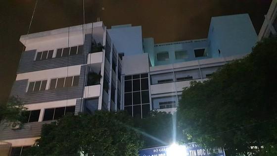 Thanh niên rơi từ tầng 6 trường Đại học Ngoại ngữ – Tin học tử vong ảnh 1