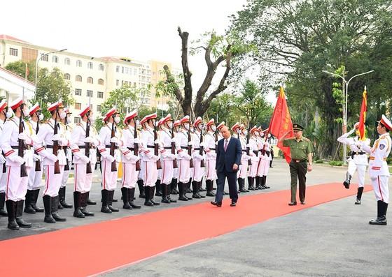 Thủ tướng Nguyễn Xuân Phúc dự khai mạc Hội nghị Công an toàn quốc lần thứ 76 ảnh 2