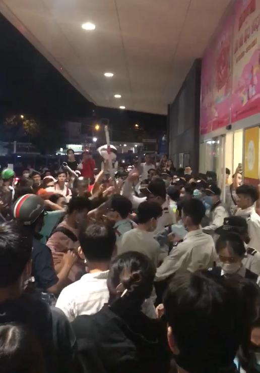 Công an nổ súng trong vụ hỗn chiến ở Aeon Mall Tân Phú ảnh 3