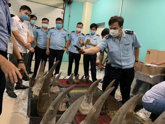 Thông tin mới nhất vụ gần 100kg nghi sừng tê giác tại kho hàng khu vực sân bay Tân Sơn Nhất ảnh 4