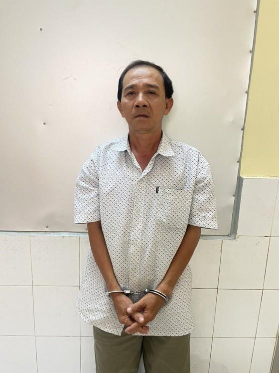 Hai cha con giả Cảnh sát hình sự để cướp tài sản ở huyện Hóc Môn ảnh 1