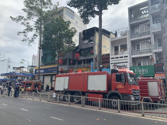 Cháy cửa hàng đặc sản Đà Lạt ở quận 5, nhiều tài sản bị thiêu rụi ảnh 6