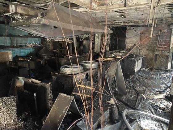 Cháy cửa hàng đặc sản Đà Lạt ở quận 5, nhiều tài sản bị thiêu rụi ảnh 14