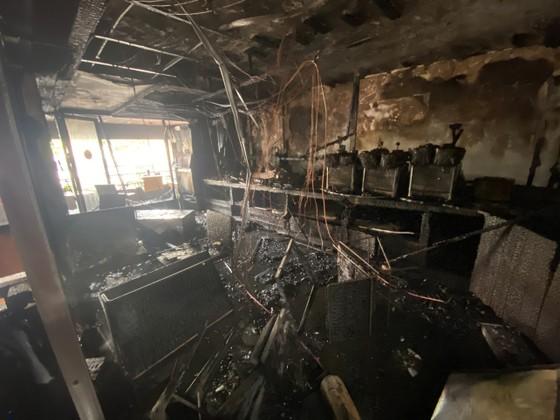 Cháy cửa hàng đặc sản Đà Lạt ở quận 5, nhiều tài sản bị thiêu rụi ảnh 16