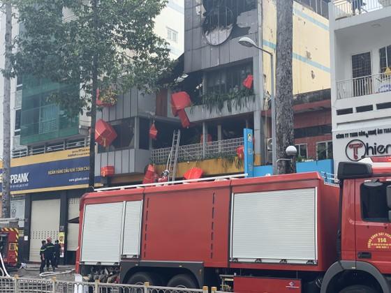 Cháy cửa hàng đặc sản Đà Lạt ở quận 5, nhiều tài sản bị thiêu rụi ảnh 9