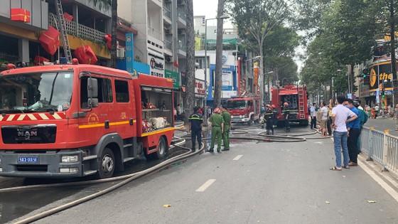 Cháy cửa hàng đặc sản Đà Lạt ở quận 5, nhiều tài sản bị thiêu rụi ảnh 10