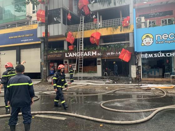 Cháy cửa hàng đặc sản Đà Lạt ở quận 5, nhiều tài sản bị thiêu rụi ảnh 11