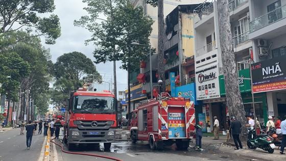 Cháy cửa hàng đặc sản Đà Lạt ở quận 5, nhiều tài sản bị thiêu rụi ảnh 12