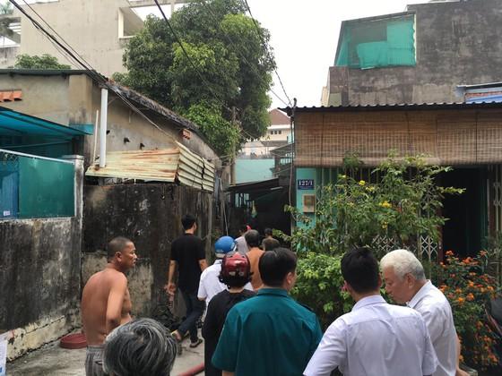 Cháy nhà trong hẻm ở quận 9, nhiều người hoảng sợ ảnh 3