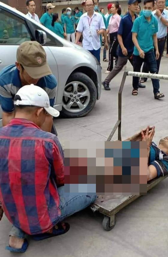 Nghi nổ bình gas máy lạnh công ty giày ở quận Thủ Đức khiến 1 người bị thương ảnh 1