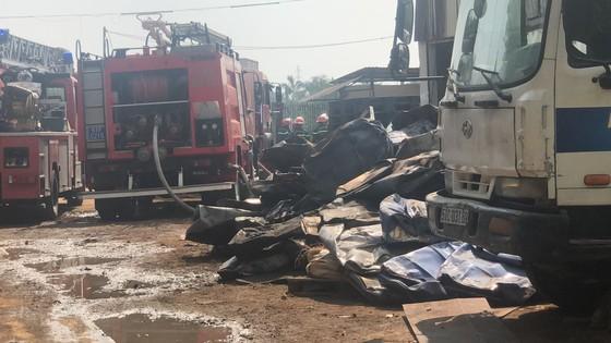 Cháy bãi phế liệu tại phường Long Thạnh Mỹ, TP Thủ Đức ảnh 1