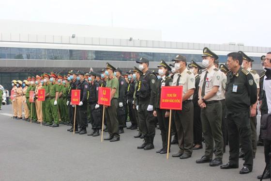 Đảm bảo tuyệt đối an ninh, trật tự tại Cảng hàng không quốc tế Tân Sơn Nhất ảnh 3