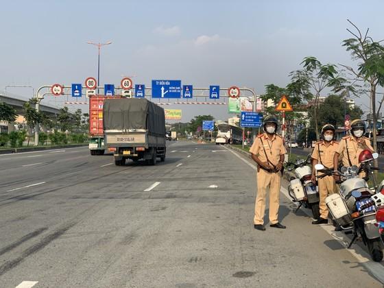 TPHCM tăng cường đảm bảo trật tự an toàn giao thông dịp Tết Nguyên đán 2021 ảnh 8