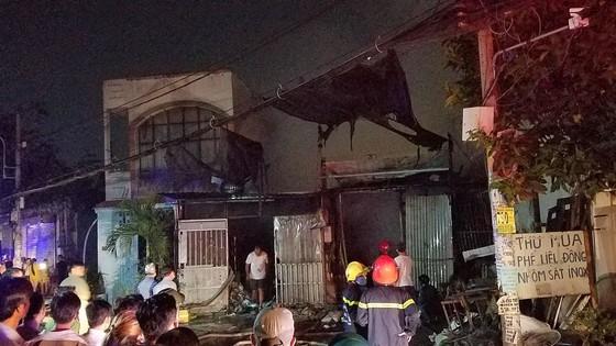 Cháy vựa thu mua phế liệu ở quận Bình Tân ảnh 4