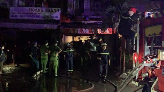 Cháy căn nhà 3 tầng ở TP Thủ Đức, nhiều người hoảng sợ ảnh 3