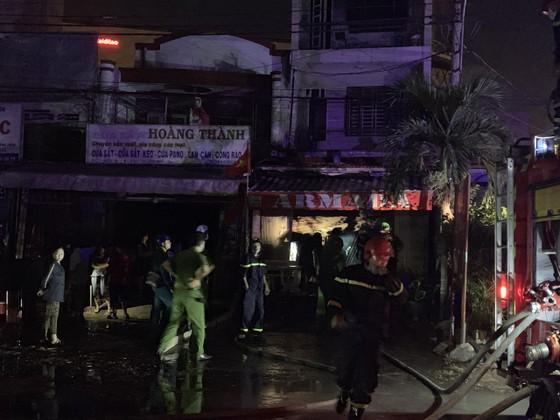 Cháy căn nhà 3 tầng ở TP Thủ Đức, nhiều người hoảng sợ ảnh 5