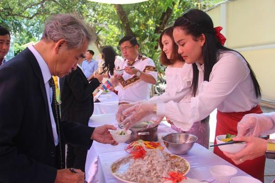 Tổ chức ngày Văn hoá dân tộc của người Khmer tại Tổng lãnh sự quán Campuchia ở TPHCM ảnh 5