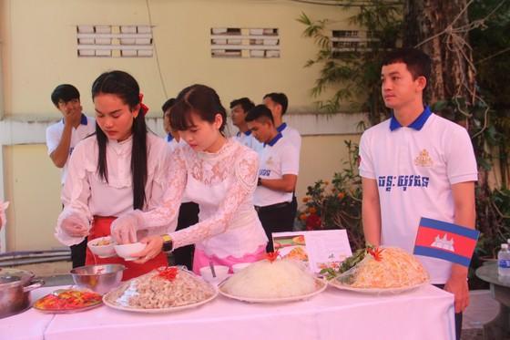 Tổ chức ngày Văn hoá dân tộc của người Khmer tại Tổng lãnh sự quán Campuchia ở TPHCM ảnh 6