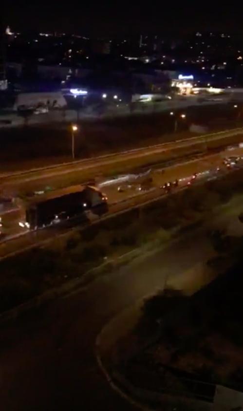 Hàng trăm 'quái xế' chặn xe đường cao tốc tổ chức đua xe ảnh 1